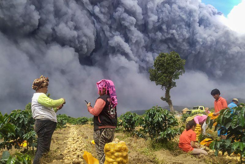 Mount Sinabung erupted again